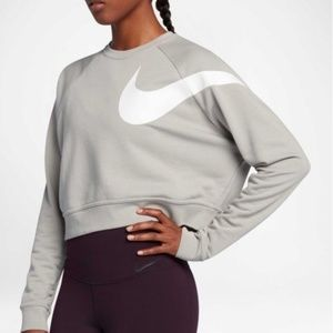 Nike Dry Versa Graphic Cropped Training Sweatshirt